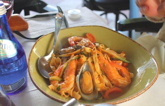 Al Fresco: Tagliatelli seafood