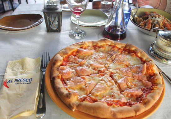 Al Fresco: Pizza smoked salmon