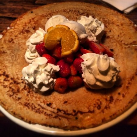 Cafe 't Singeltje: Strawberry Banana Crêpe