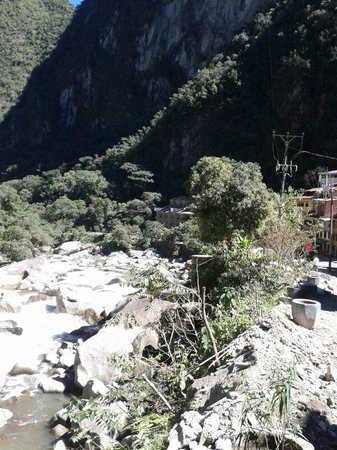 SUMAQ Machu Picchu Hotel: El Hotel se ve al fondo