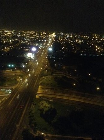 The Westin Lima Hotel & Convention Center: night view from our suite in 27/F