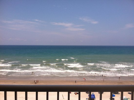 DoubleTree Suites by Hilton Melbourne Beach Oceanfront: Perfect view from our 7th floor balcony.