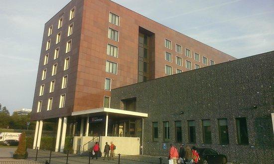 Hilton Garden Inn Leiden: hotel entrance