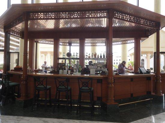 Bahia Princess Hotel: The Piano bar