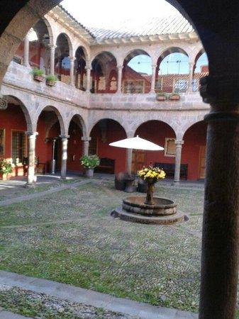 Hotel Costa Del Sol Ramada Cusco: Patio interno