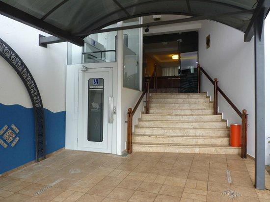 Hotel Casablanca: Entrada
