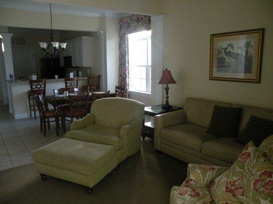 Litchfield Beach & Golf Resort: room/suite