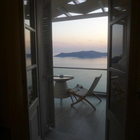 Belvedere Santorini: view from lounge downstairs