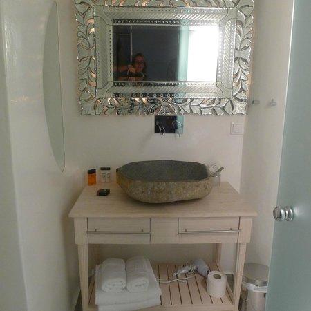 Belvedere Santorini : bathroom