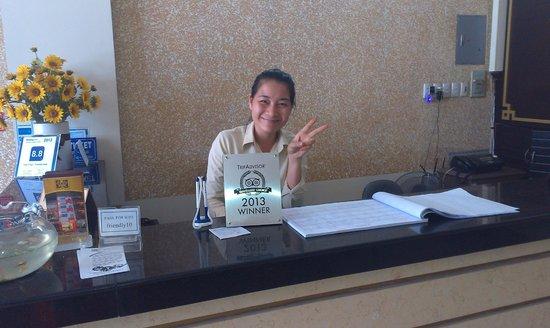 Than Thien Hotel - Friendly Hotel : Очень доброжелательная и грамотная сотрудница reception