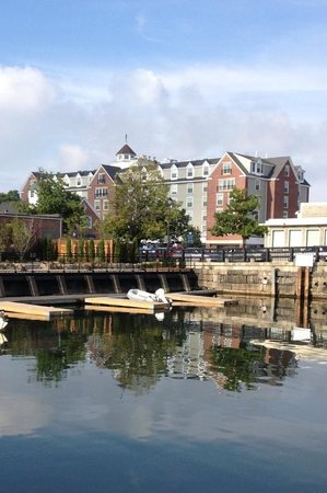 Salem Waterfront Hotel & Suites: View from the River Walk