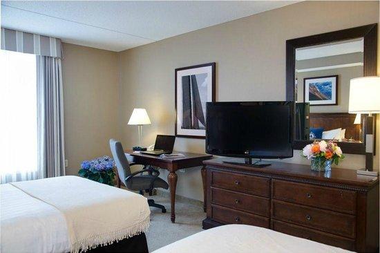 Salem Waterfront Hotel & Suites: Standard Room Amenities