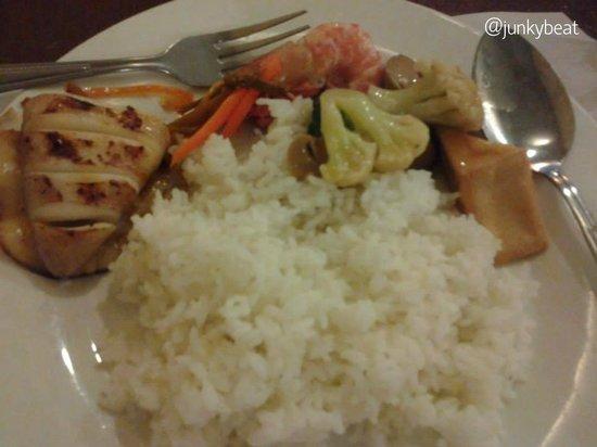 Ocho Seafood Grill : Full dinner