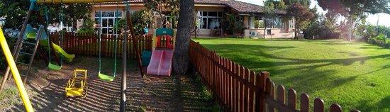 Hotel  La Bussola: Bel parco giochi all'interno dell'hotel.