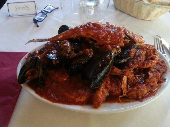 Piombino, Italia: Super cacciucco....