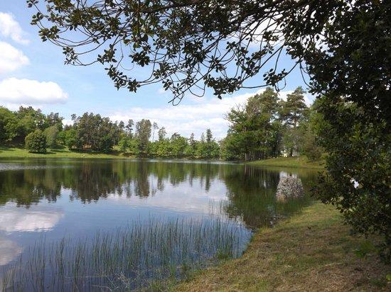 Les Jardins Sothys: vue sur le lac