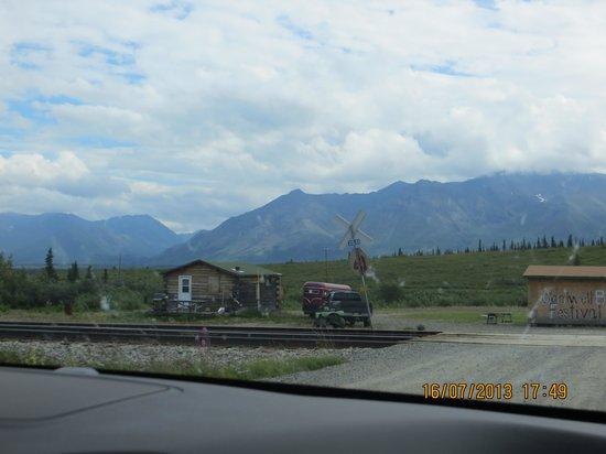 Backwoods Lodge: stazione ferroviaria di Cantwell , Alaska