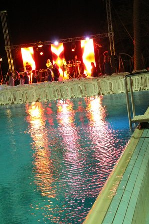 Rimonim Eilat: Party by the pool