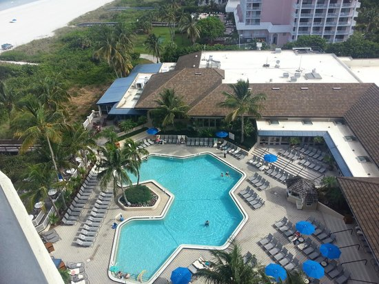 Hilton Marco Island Beach Resort--CLOSED FOR RENOVATIONS; REOPENING DEC. 1, 2017 : View from Penthouse 1102 to pool