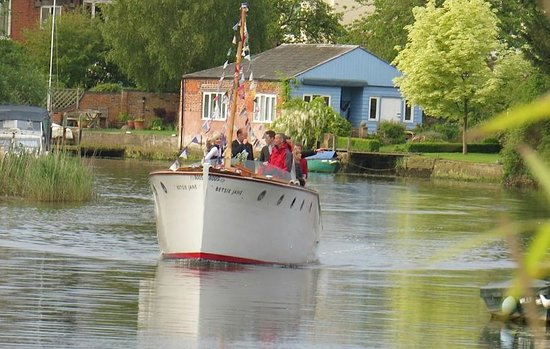 Betsie Jane River Tours: Perfect for a wedding cruise or pre wedding 'get to know you'