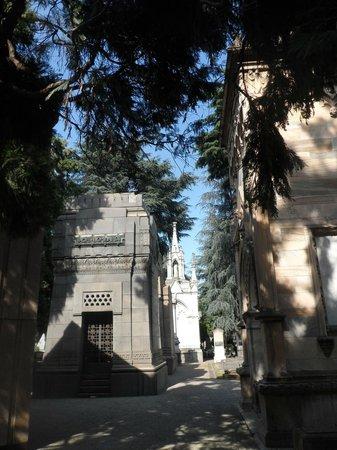 Cementerio Monumental: b