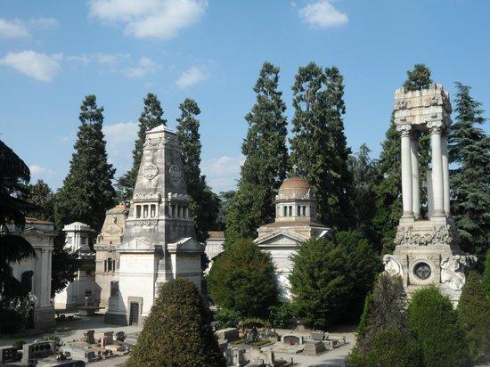Cementerio Monumental: Uno sguardo sul cimitero