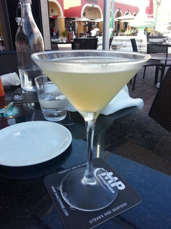 Marco Prime Steaks & Seafood: Pear vodka drink - delish!!!