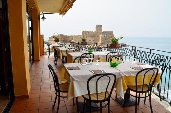 Picture of ristorante micomare le castella for Aragonese cuisine