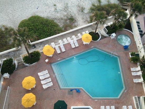 Bahama House: Pool area
