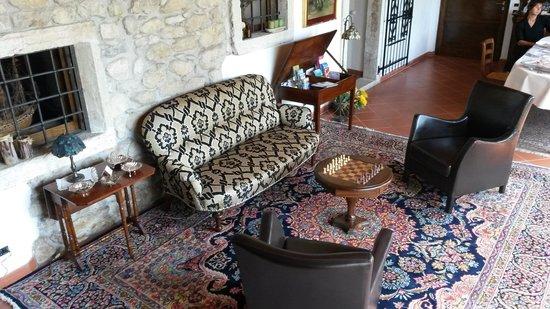 La Vera del Pozzo Charme e Relax : Dettaglio del salone