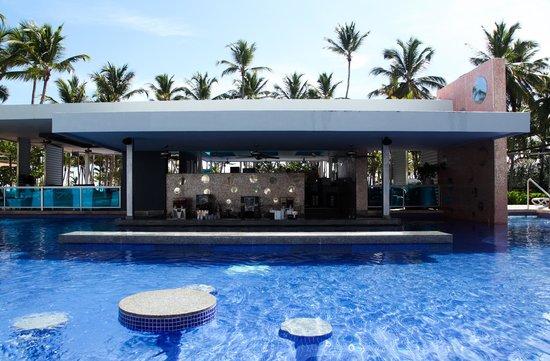 Hotel Riu Palace Macao: bar da piscina