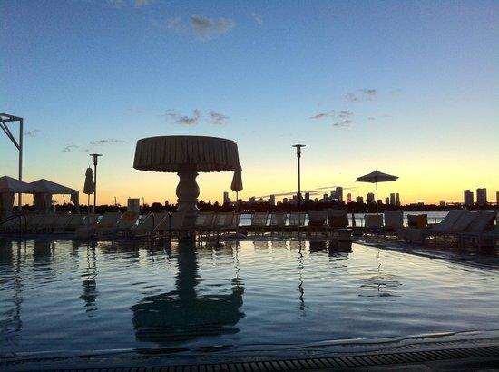 Mondrian South Beach Hotel: Tramonto incantevole
