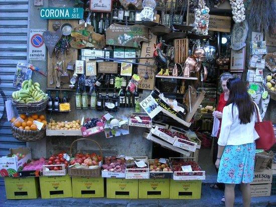 Artviva: The Original & Best Tours Italy: Florentine convenience store