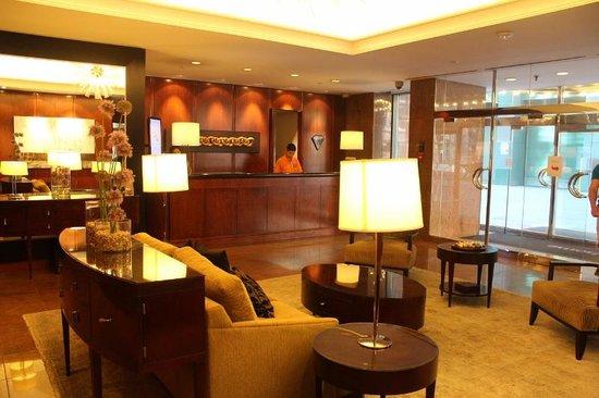 Cambridge Suites Toronto : Recepción