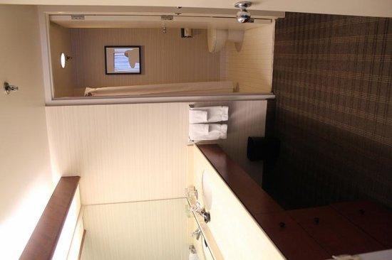 Cambridge Suites Toronto: Baño lavamanos