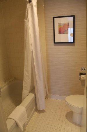 Cambridge Suites Toronto : Baño