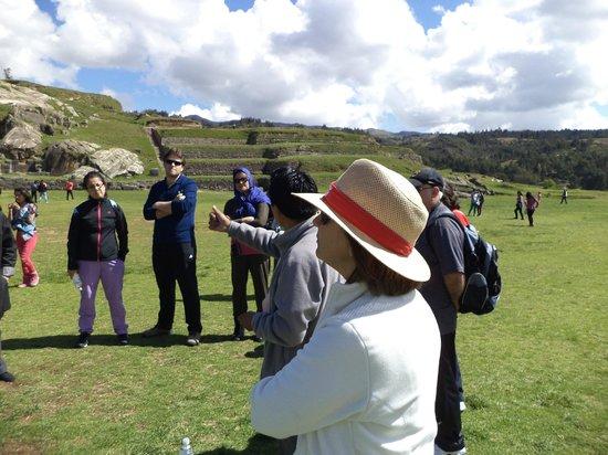 "Sacsayhuamán: Una parada para ""ver yescuchar"" historias maravillosas."