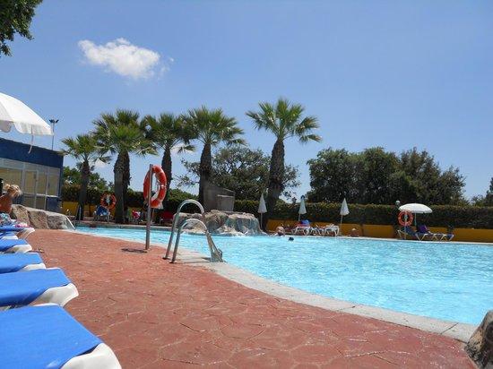 Diverhotel Marbella: Parte de la piscina