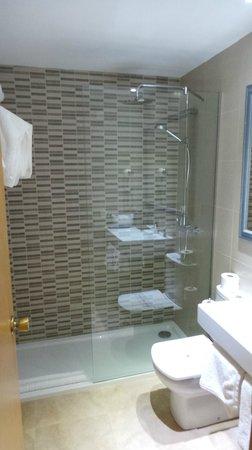 Apartamentos Cala d'Or Playa: Salle de bains
