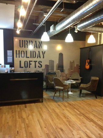 Urban Holiday Lofts: Lobby