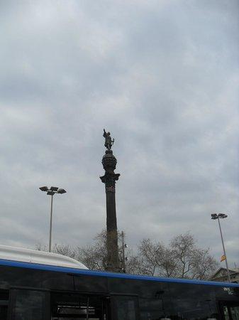 Monumento a Cristoforo Colombo : desde el puerto