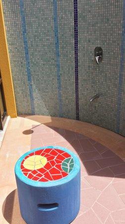 Alma del Pacifico Beach Hotel & Spa: Outdoor Shower of Garden Bungalow