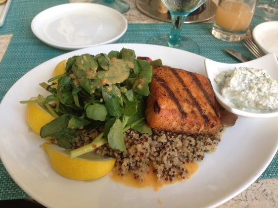 Essensia Restaurant & Lounge : Salmon exquisito