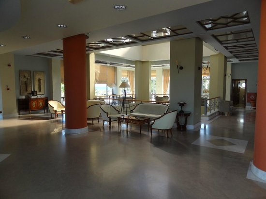 Pelagos Suites Hotel: Reception area