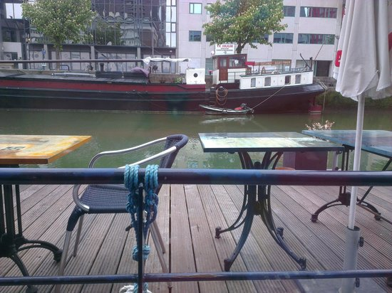 H2OTEL Rotterdam: Терраса у бара