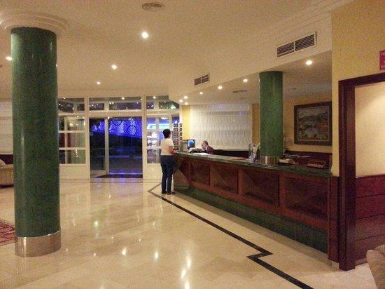Sunlight Bahia Principe Coral Playa: Accueil de l'hôtel