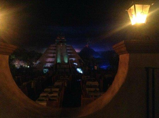 La Cava del Tequila: Complete empty Mexico Pavilion...all to yourselves!