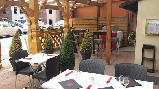 Le Taurillon: Terrasse Parking du Moulin