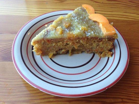 Te'enim Vegetarian Cuisine: amazing vegan apricot cake