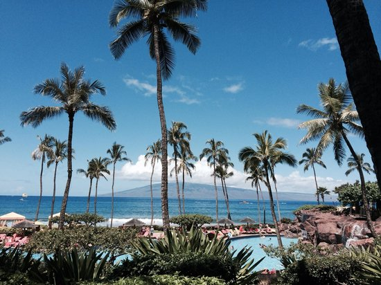 Hyatt Regency Maui Resort and Spa: Over looking